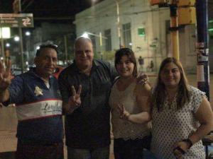 Junto a compañeros de la localidad de Lezama